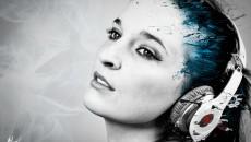 girl-headphones-music