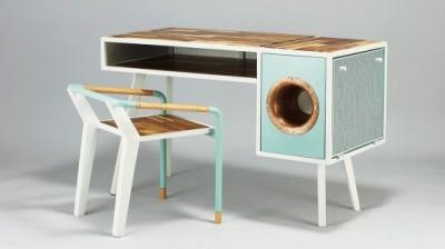 soundbox_amplifying_desk-0