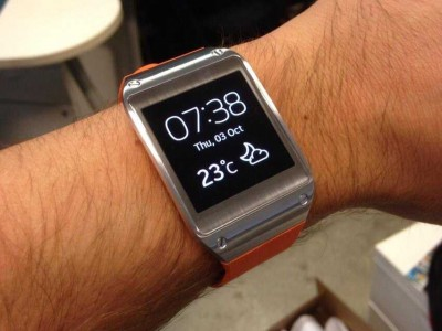 samsungs-smart-watch-is-a-dud-the-new-york-times-says-nobody-will-buy-this-watch-and-nobody-should